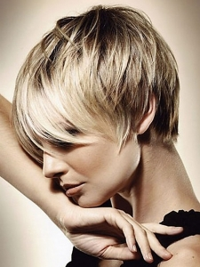 Very-short-hairstyles-with-bangs